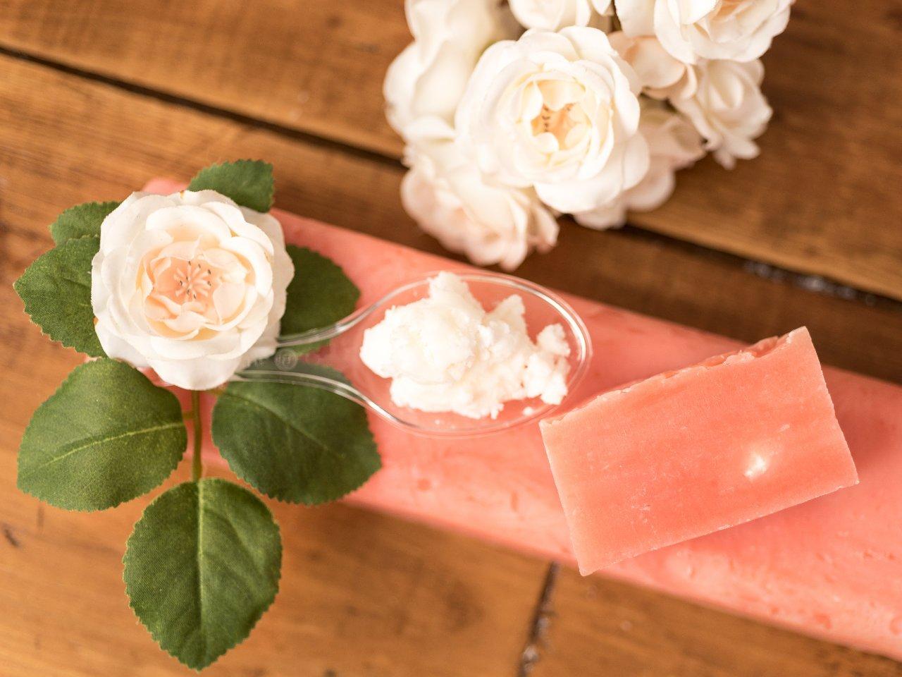Sapone naturale alla rosa e burro di karité
