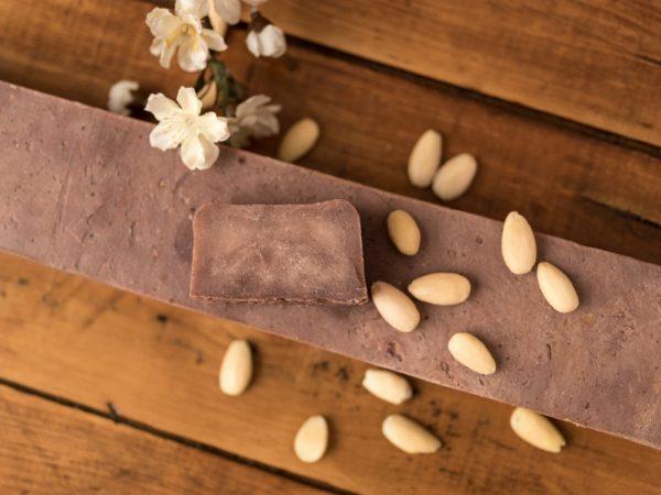 Sapone naturale alle mandorle e vaniglia